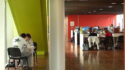 Laboratoire de langues au CFA